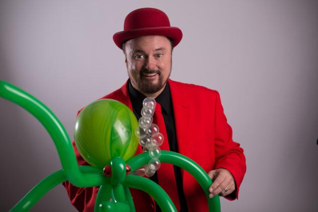 Balloon Artist Twister